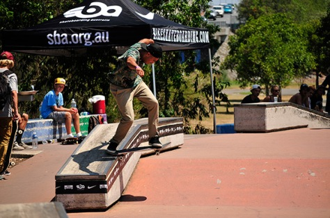 LP Backtailing himself up into 1st place and flights and entry to the grand finals in Melbs - Photo: Matt Hooker