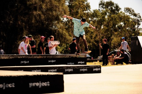 Jayden with a Bs Tail while the Posse and Bay lurk in the background